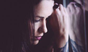 頭痛のスピリチュアル的な原因を探る7つの方法