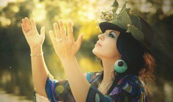 未来は占いで本当にわかる?幸せを引き寄せる9つの習慣