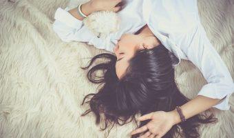 だるい、眠いは心からのサイン、あなたを癒す7つのメソッド