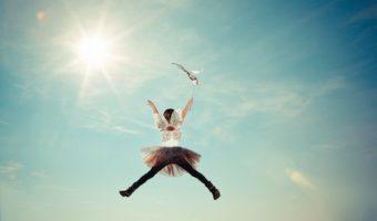 夢占いであなたがわかる、飛ぶ夢の7つのメッセージ