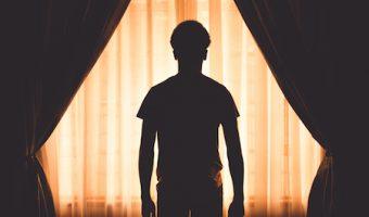 夢占いで今のあなたがわかる、夢の中で幽霊を見た時の7つのポイント