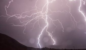 夢占いで今のあなたがわかる、夢の中に雷に遭遇した時の7つのメッセージ