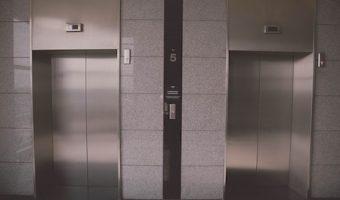 夢占いでわかるあなたの心理、エレベーターが出てきた時の7つのポイント