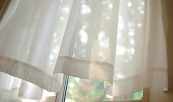 窓の方角でカーテンの色を決めよう!風水で幸運になる7つのポイント